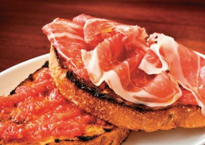 jamón ibérico y pan barcelona